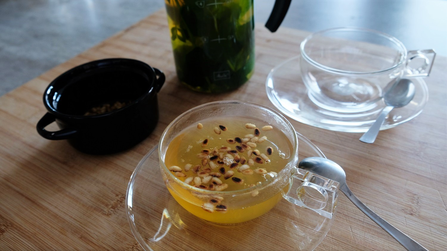 Tunisian Mint Tea with Pine Nuts